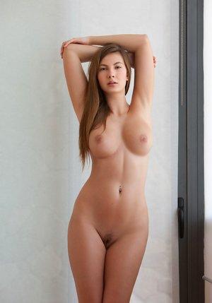 Big Tits Teens Pictures